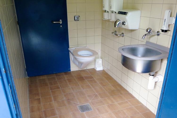 Öffentliches rollstuhlgerechtes WC Werdinsel